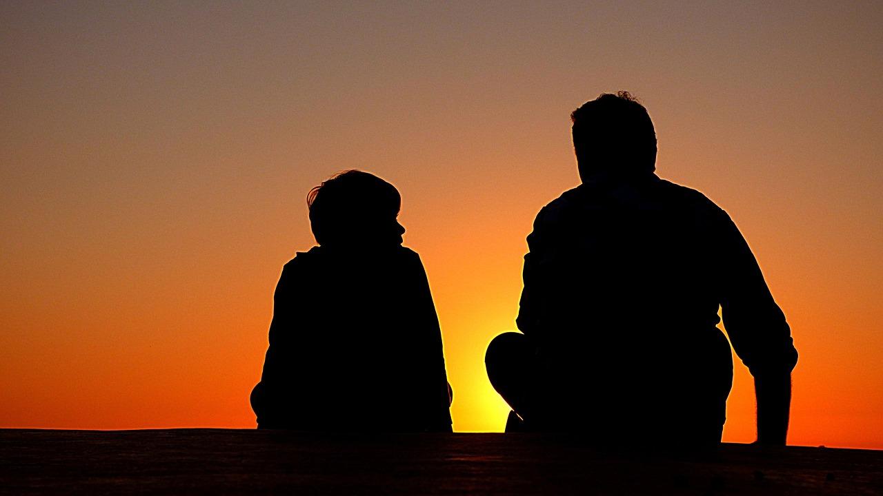 como-saber-se-seu-filho-esta-sofrendo-bullying-psicologo-escolar-online